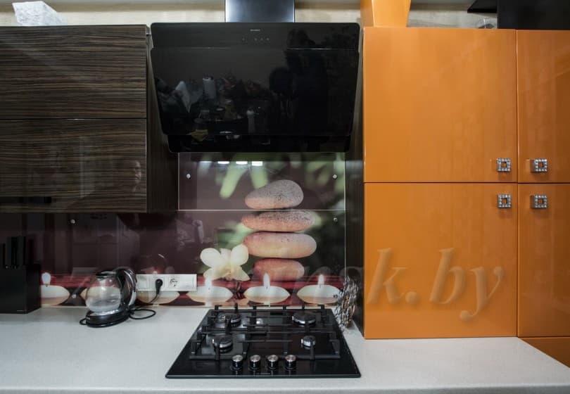 Кухня ЗОВ из акрила двухцветная