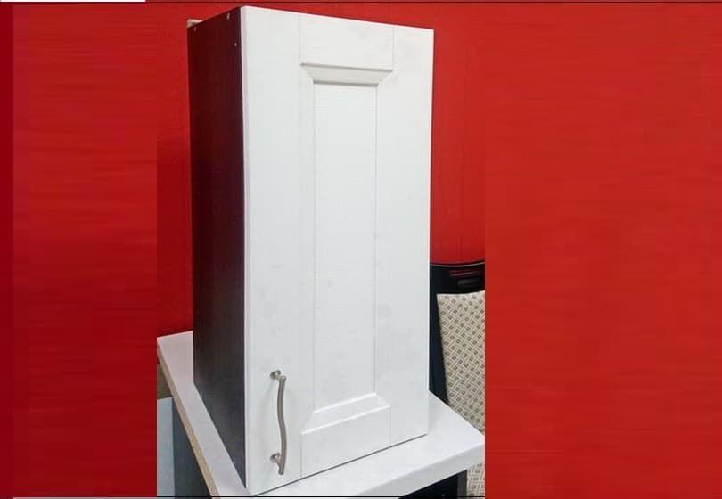 30 руб. - навесной шкаф с белым фасадом из МДФ
