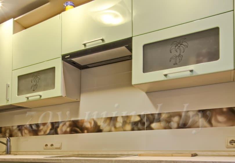 Кухня из мдф крашеного по RAL светло-зеленая