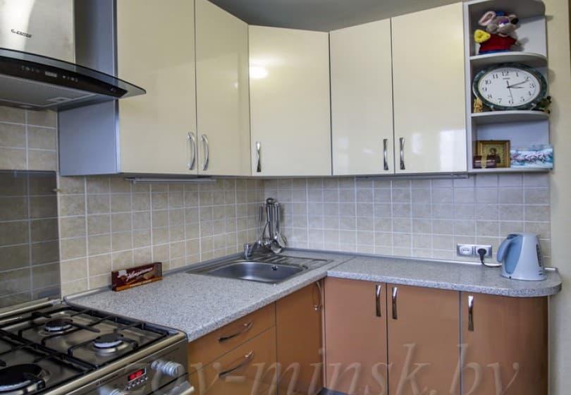Кухня из пластика Бежевый/Латунь